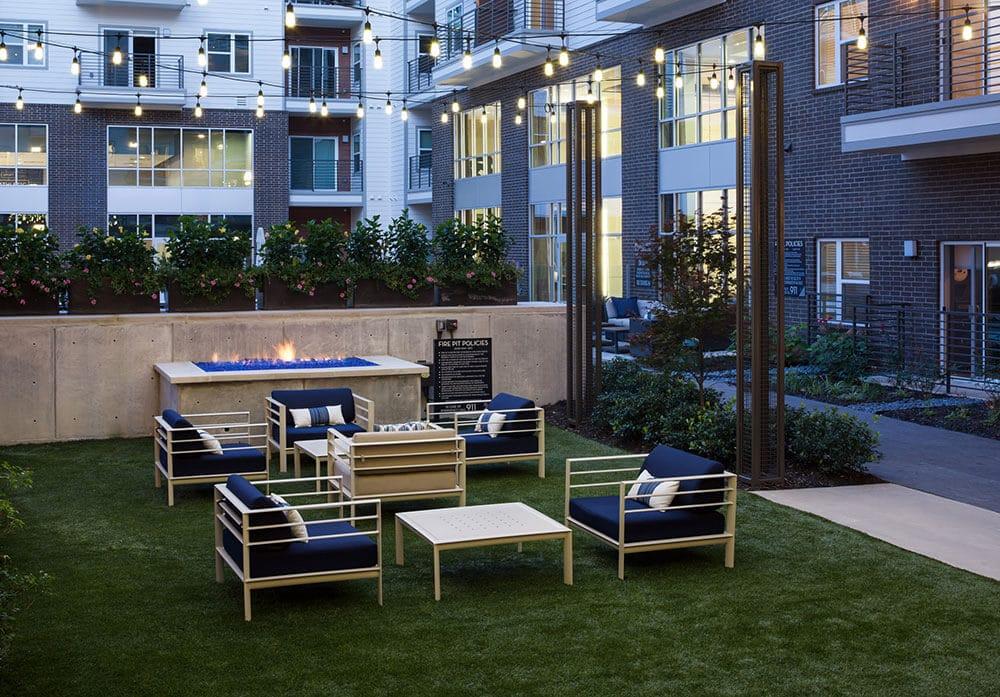 The Broadstone 5151 Courtyard