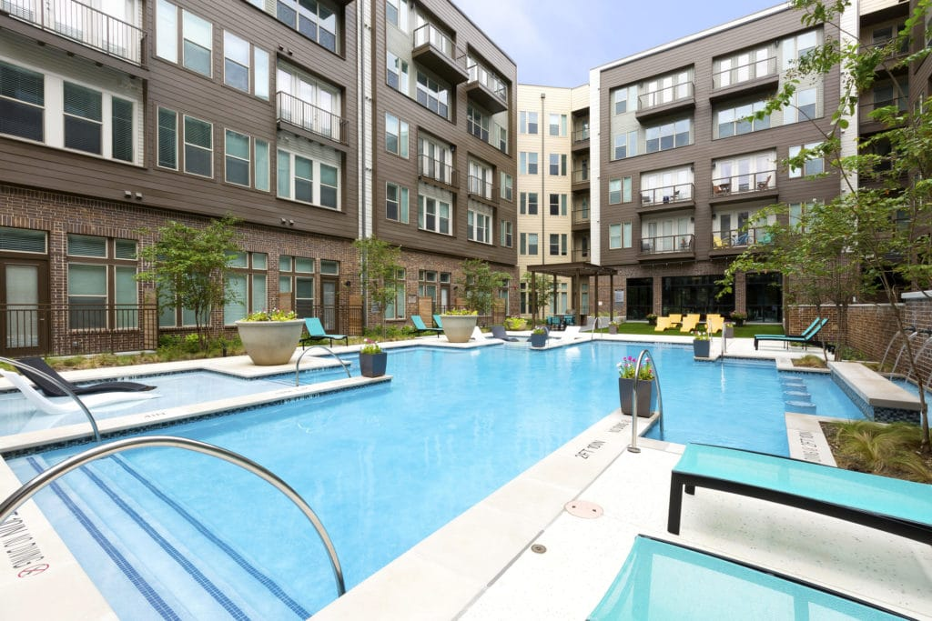 South 400 Pool