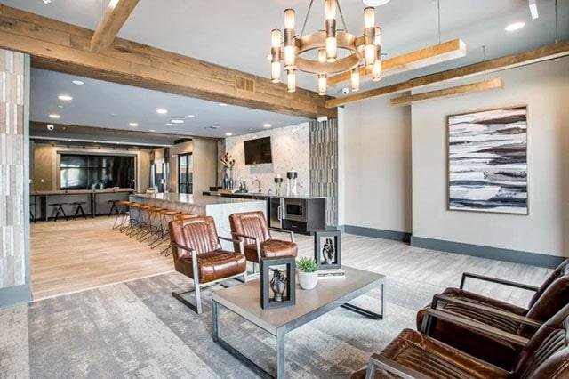 Alta Trinity Green Lounge